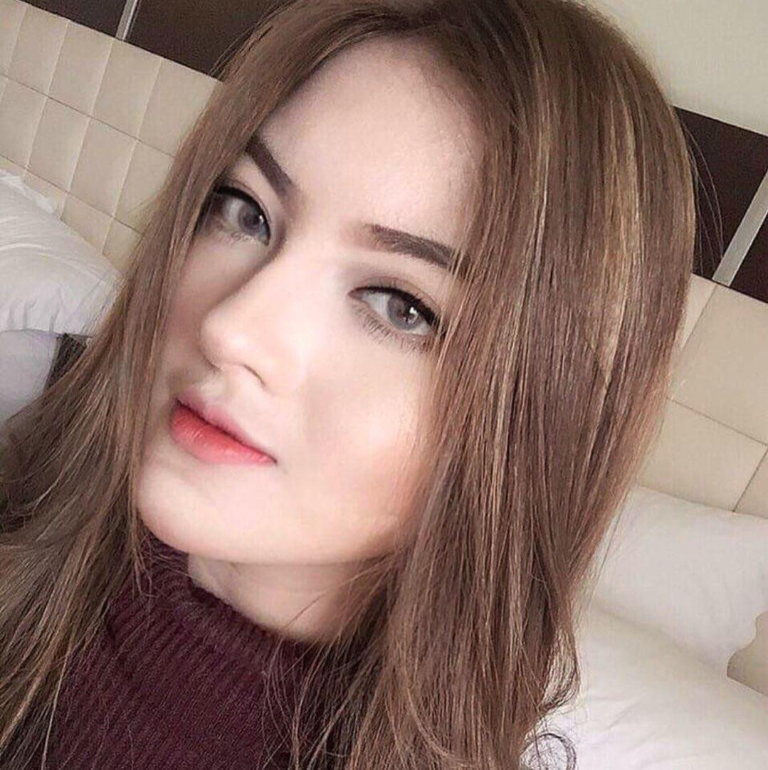 [angel face foto][rambut kuning] Tanaya Alyssia 3D39BA6E-8EC9-401B-834D-BCDC70184F3C